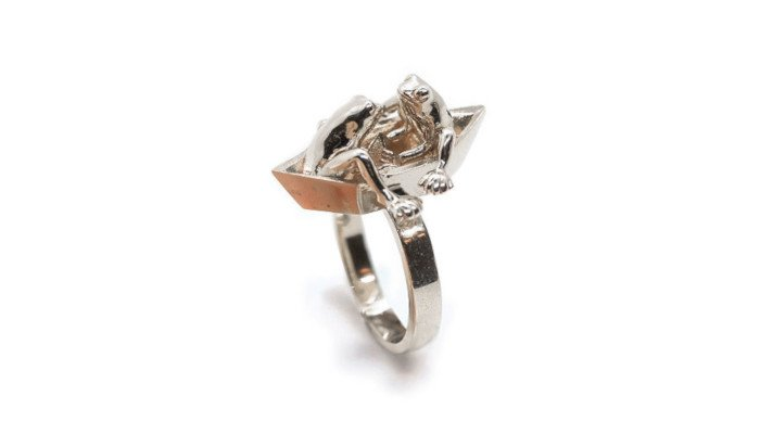 anna reikher 3d printed frog ring