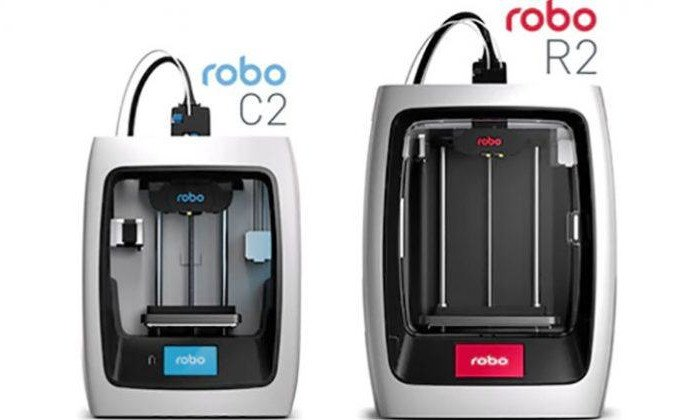 robo c2 and r2 3d printers side by side