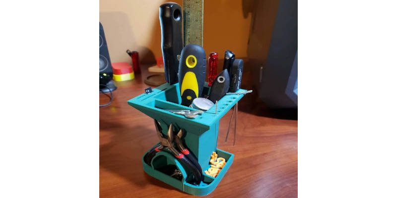 3D Printed Compact Tool Tidy